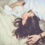 8 façons rapides de se détendre avant une rencontre